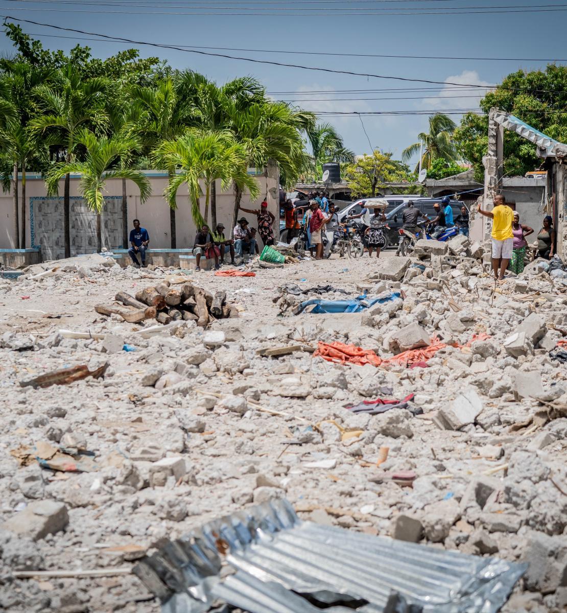 Décombres de l'ancien hôtel Le Manguier aux Cayes, en Haïti.